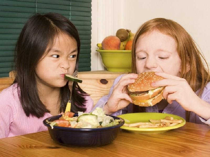 Ошибки родителей в детском питании