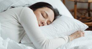 6 гаджетов для спальни, которые помогут лучше выспаться